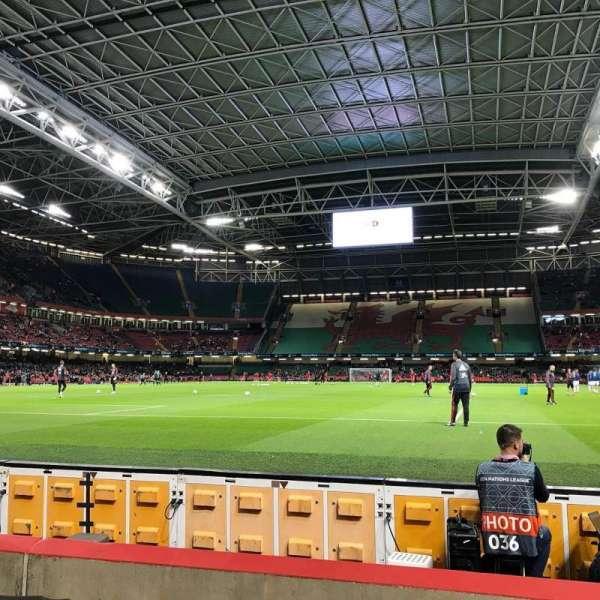 Principality Stadium, vak: L18, rij: 5, stoel: 13