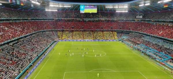 Allianz Arena, vak: 339, rij: 4, stoel: 1