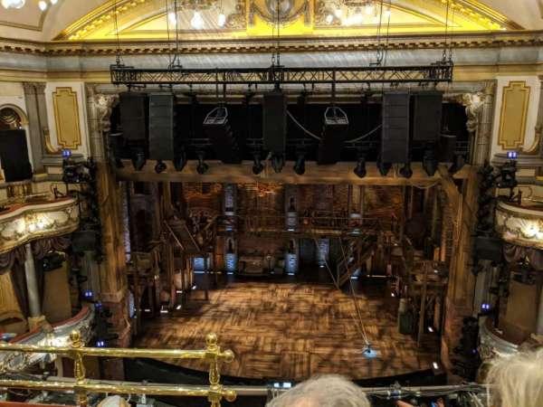 Victoria Palace Theatre , vak: Grand Circle, rij: C, stoel: 20