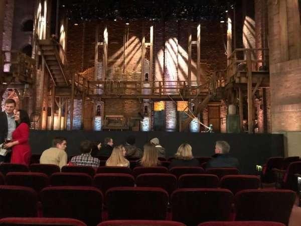 CIBC Theatre, vak: Orchestra C Aisle 2, rij: J, stoel: 109, 110