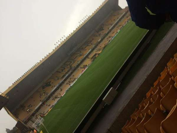 Molineux Stadium, vak: JL10, rij: J, stoel: 263