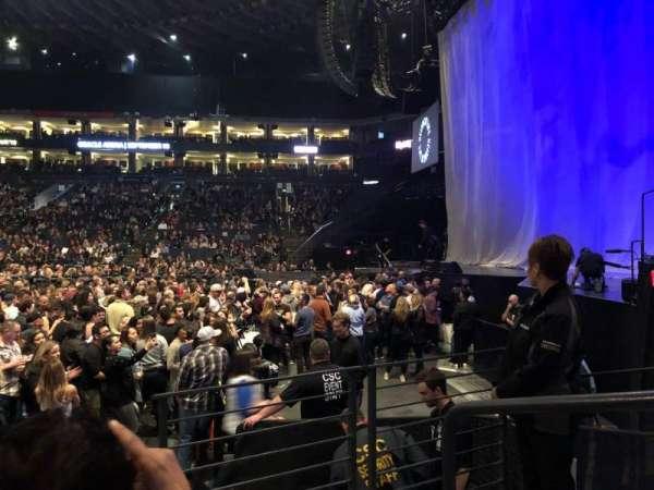 Oakland Arena, vak: 127, rij: 3, stoel: 1