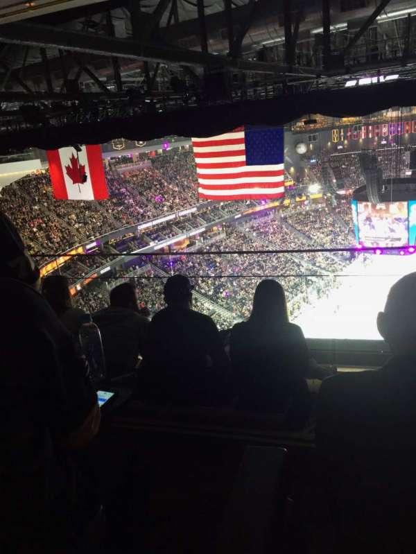 T-Mobile Arena, vak: Hyde Tables, rij: 14, stoel: 1-4
