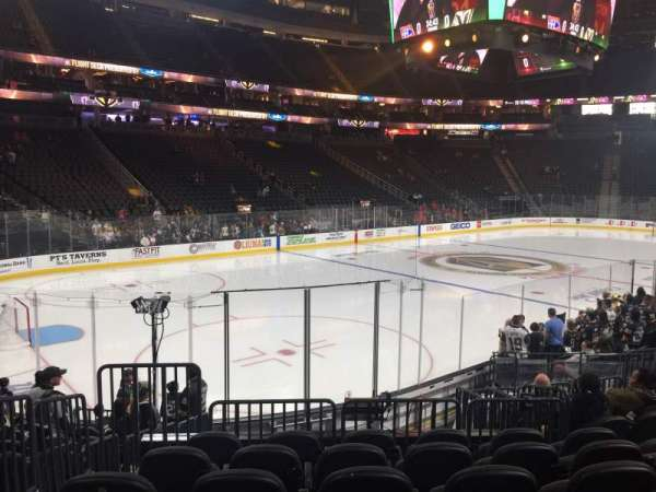 T-Mobile Arena, vak: 3, rij: L
