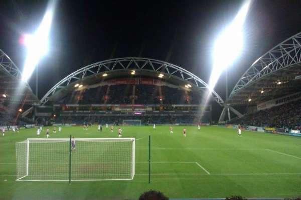 John Smith's Stadium, rij: K, stoel: 69