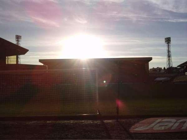 Oakwell Stadium, vak: NS3, rij: C, stoel: 69