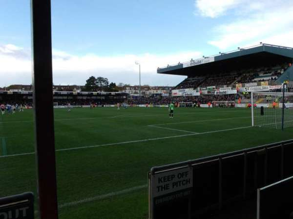 Memorial Stadium (Bristol), vak: South Stand, rij: B, stoel: 64