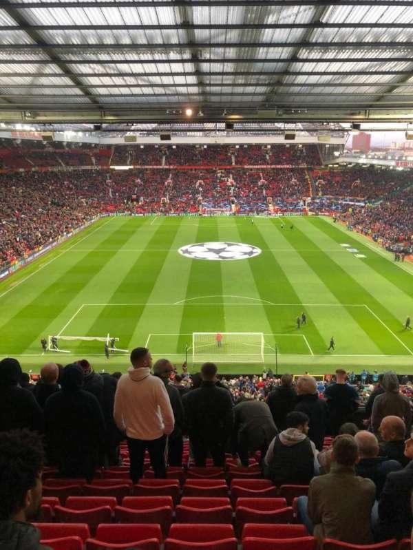 Old Trafford, vak: W3104, rij: 13