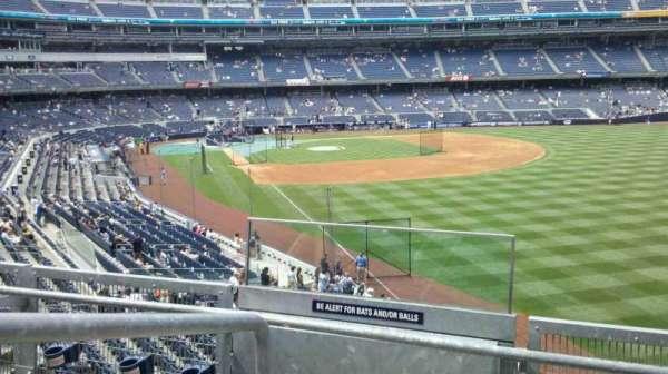Yankee Stadium, vak: 208, rij: 3, stoel: 15