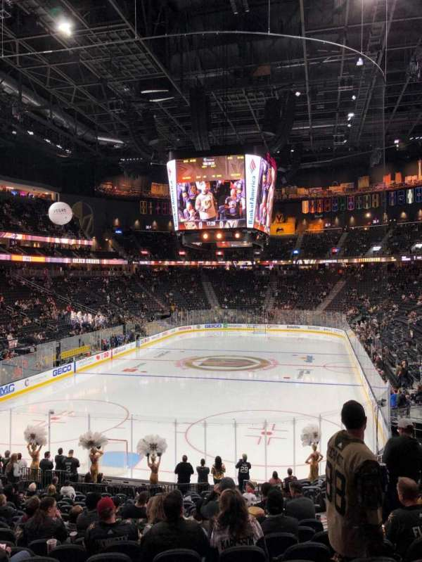 T-Mobile Arena, vak: 11, rij: U, stoel: 17