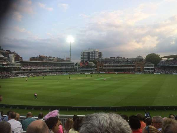 Lord's Cricket Ground, vak: Crompton Upper Stand Block 17, rij: J, stoel: 87