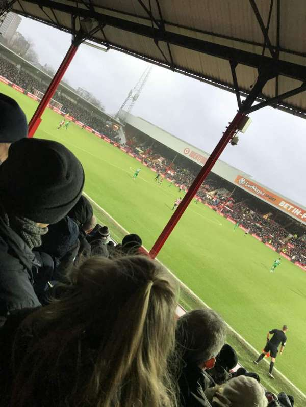 Griffin Park, vak: New Road Stand- Area N502, rij: O, stoel: 0046