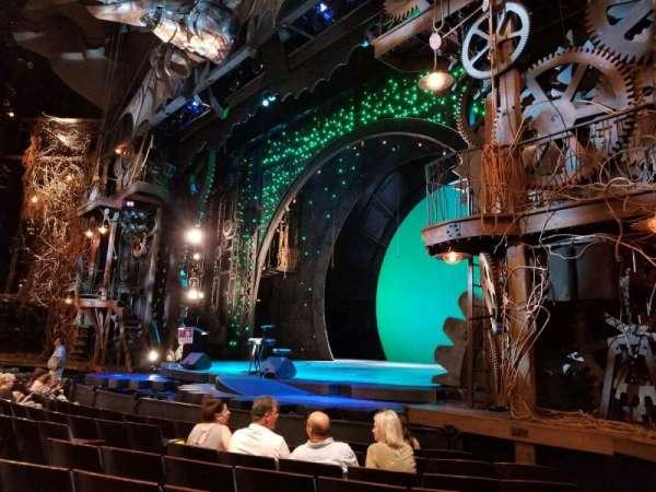 Gershwin Theatre, vak: Orchestra R, rij: D, stoel: 20