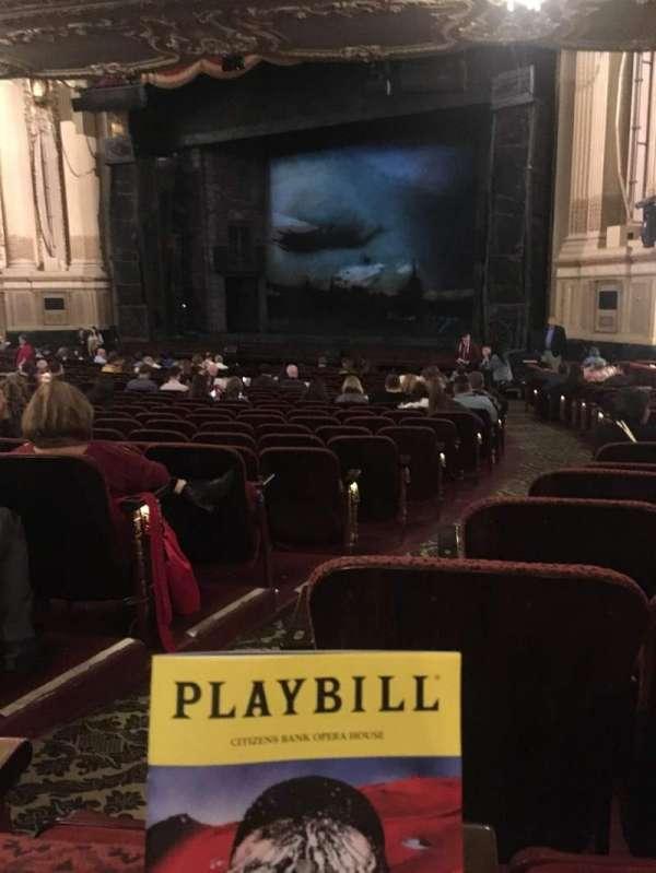 Citizens Bank Opera House, vak: Orchestra Right, rij: T, stoel: 34