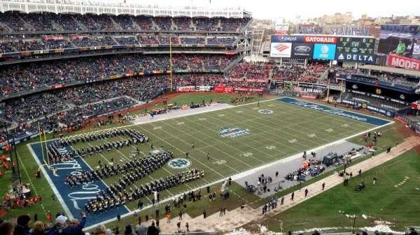 Yankee Stadium, vak: 413, rij: 9, stoel: 26