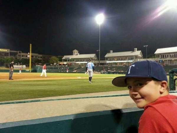 Dr Pepper Ballpark, vak: 106, rij: 1, stoel: 6