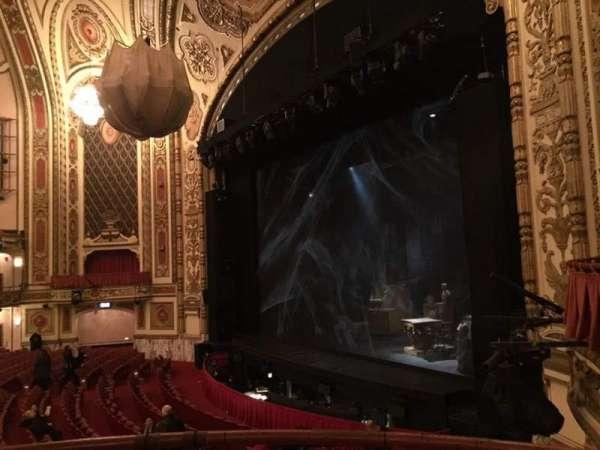 Cadillac Palace Theater, vak: Dress Circle R, rij: BB, stoel: 8