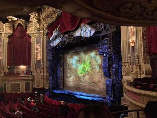 James M. Nederlander Theatre, vak: Dress Circle R, rij: CC, stoel: 8
