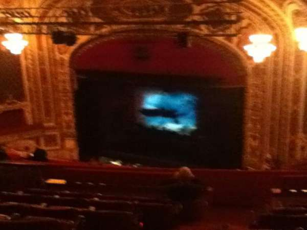 Cadillac Palace Theater, vak: Balcony FR, rij: R, stoel: 30