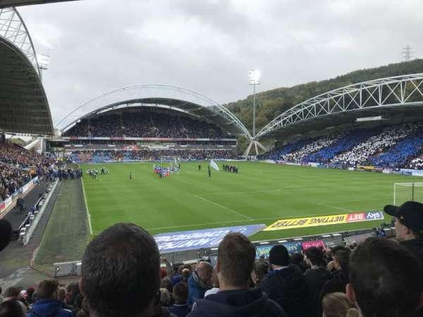 John Smith's Stadium, vak: The Chadwick Lawrence stand, rij: T, stoel: 142