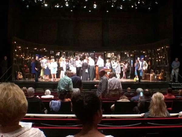 Muriel Kauffman Theatre, vak: Orchestra Center, rij: J, stoel: 111