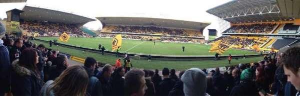 Molineux Stadium, vak: JL5, rij: H, stoel: 140