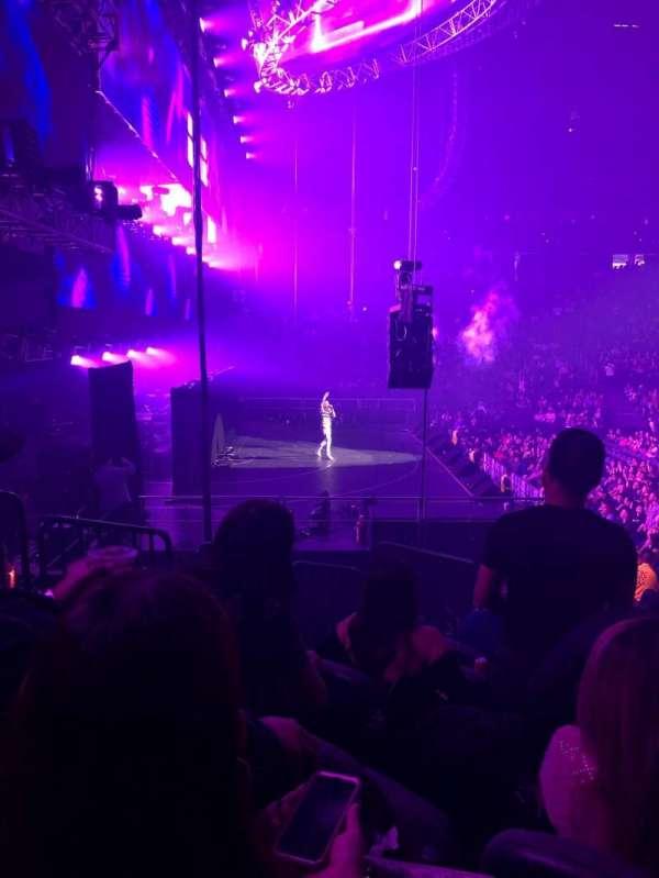 T-Mobile Arena, vak: 3, rij: L, stoel: 6