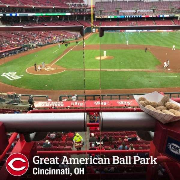 Great American Ball Park, vak: 301, rij: A, stoel: 2