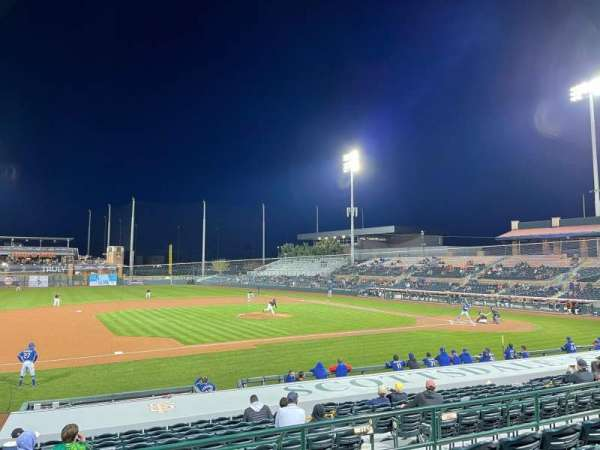 Scottsdale Stadium, vak: 211, rij: N, stoel: 21