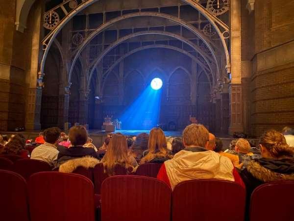 Lyric Theatre, vak: Orchestra R, rij: K, stoel: 14
