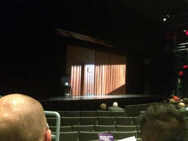 Laura Pels Theatre, vak: Orch Left, rij: K, stoel: 13
