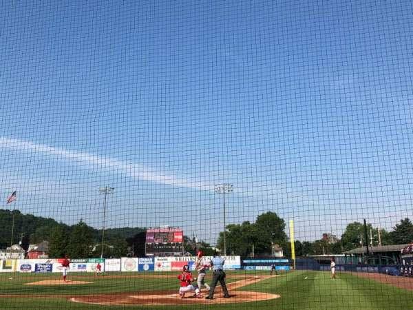 BB&T Ballpark at Historic Bowman Field, vak: J, rij: E, stoel: 2