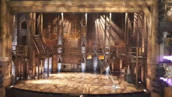 Victoria Palace Theatre, vak: Royal Circle, rij: A, stoel: 17