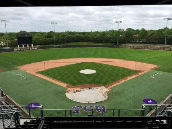 Lupton Stadium, vak: 204