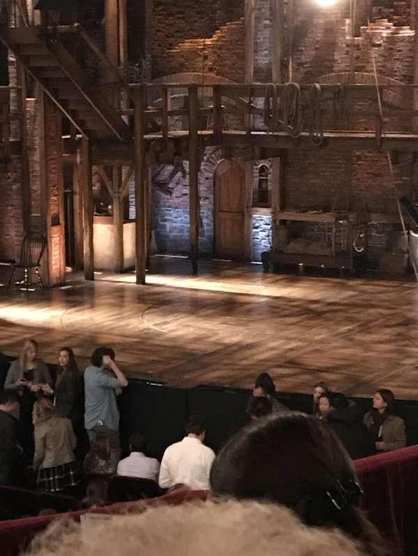CIBC Theatre, vak: Dress Circle R, rij: D, stoel: 6