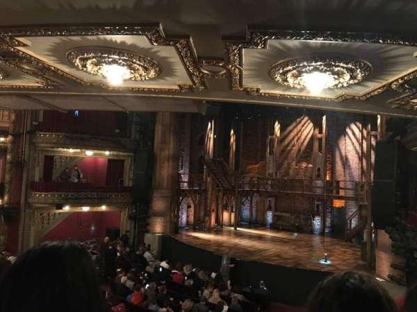 CIBC Theatre, vak: Dress Circle R, rij: B, stoel: 4