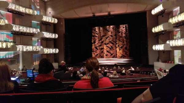 Muriel Kauffman Theatre, vak: PART-C, rij: DD, stoel: 131