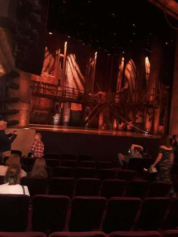CIBC Theatre, vak: Orchestra L, rij: K, stoel: 17-19