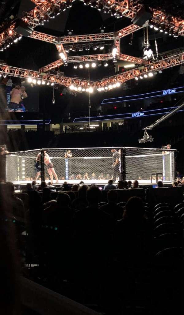 T-Mobile Arena, vak: 7, rij: 2, stoel: 1