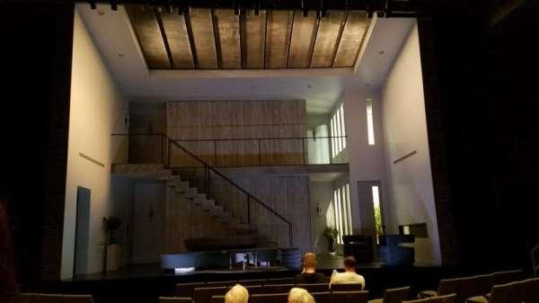 Laura Pels Theatre, vak: Orchestra, rij: K, stoel: 109