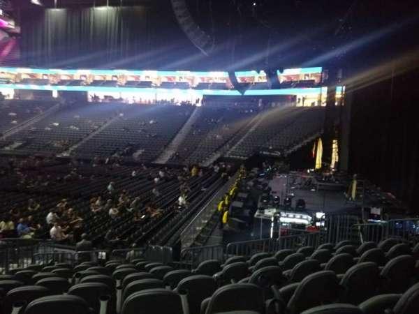 T-Mobile Arena, vak: 18, rij: M, stoel: 6