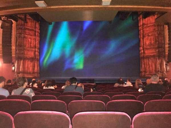 St. James Theatre, vak: Orchestra, rij: O , stoel: 7