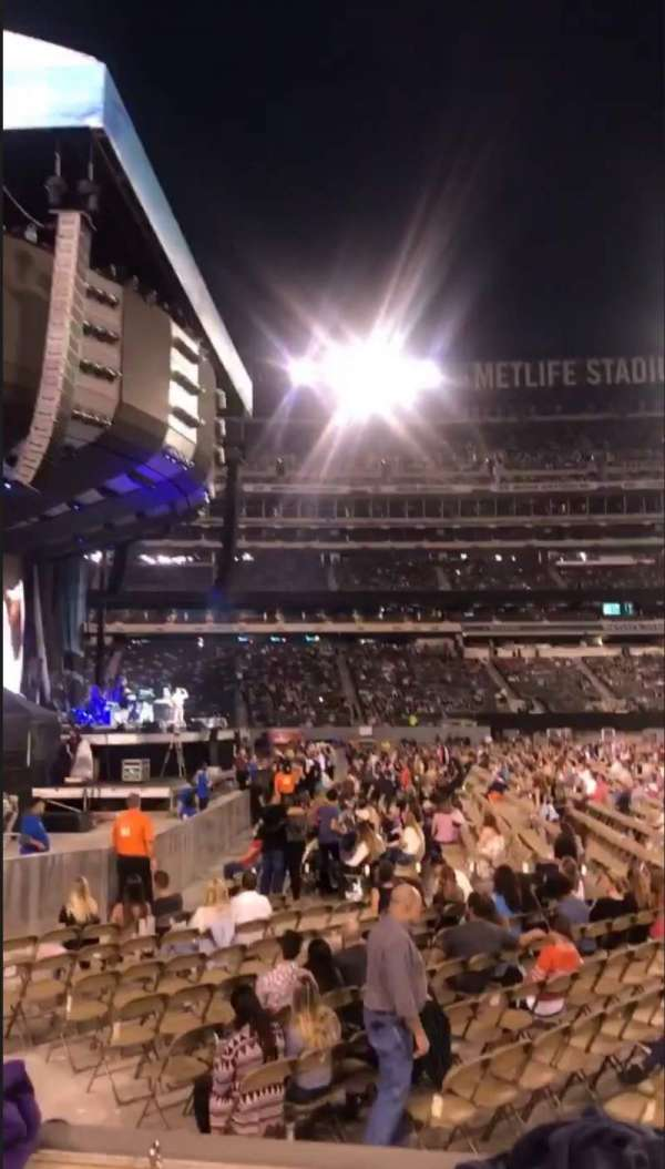 MetLife Stadium, vak: 142, rij: 2, stoel: 9-10