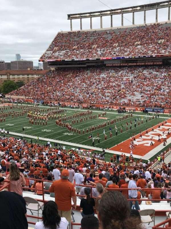 Texas Memorial Stadium, vak: 22, rij: 57, stoel: 5