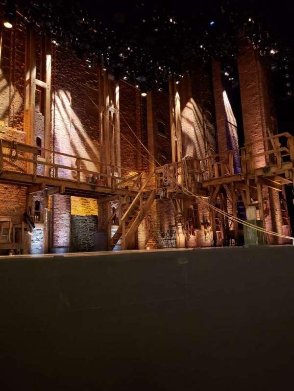 CIBC Theatre, vak: Orchestra L, rij: B, stoel: 5