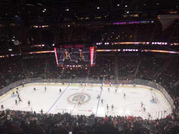 T-Mobile Arena, vak: 206, rij: q, stoel: 16