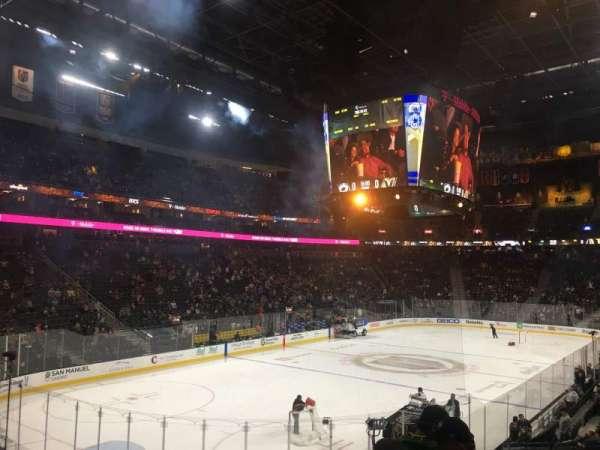T-Mobile Arena, vak: 12, rij: R, stoel: 14