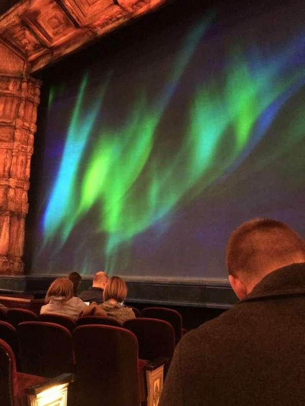 St. James Theatre, vak: Orchestre, rij: E, stoel: 2
