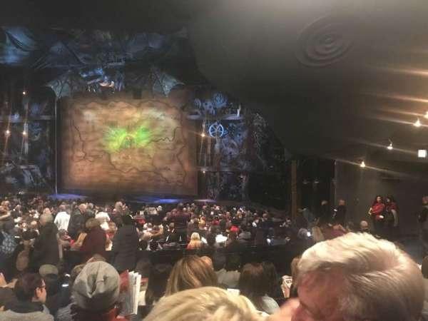 Gershwin Theatre, vak: Orchestra, rij: W, stoel: 13
