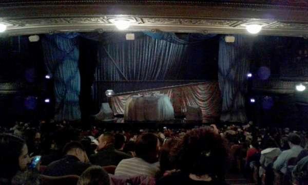 Majestic Theatre, vak: Rear orchestra center, rij: T, stoel: 114
